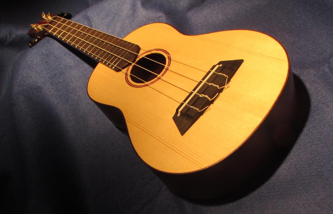 Triton Guitars-Ukelele_11
