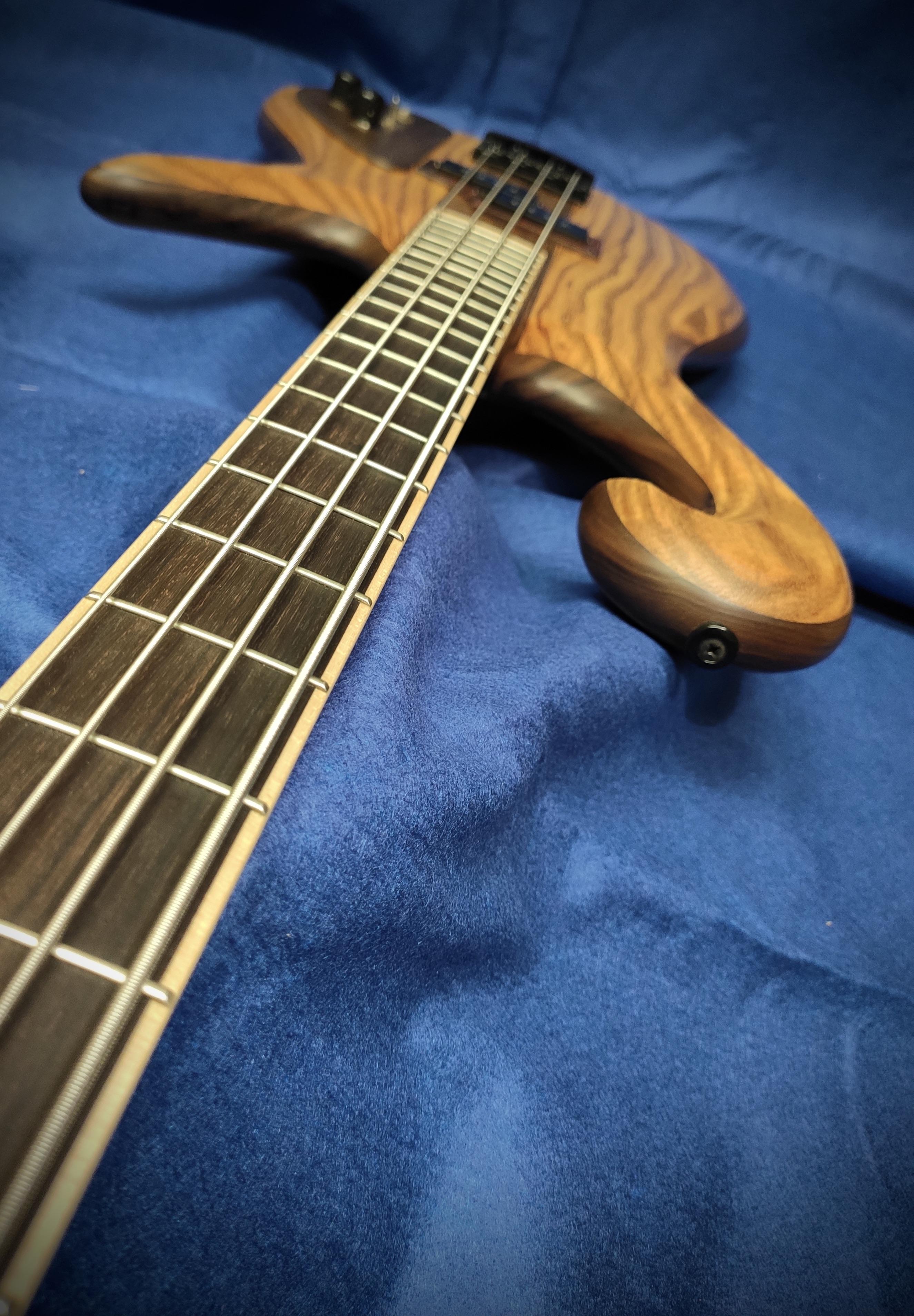 Triton Guitars-Tri-tone_1