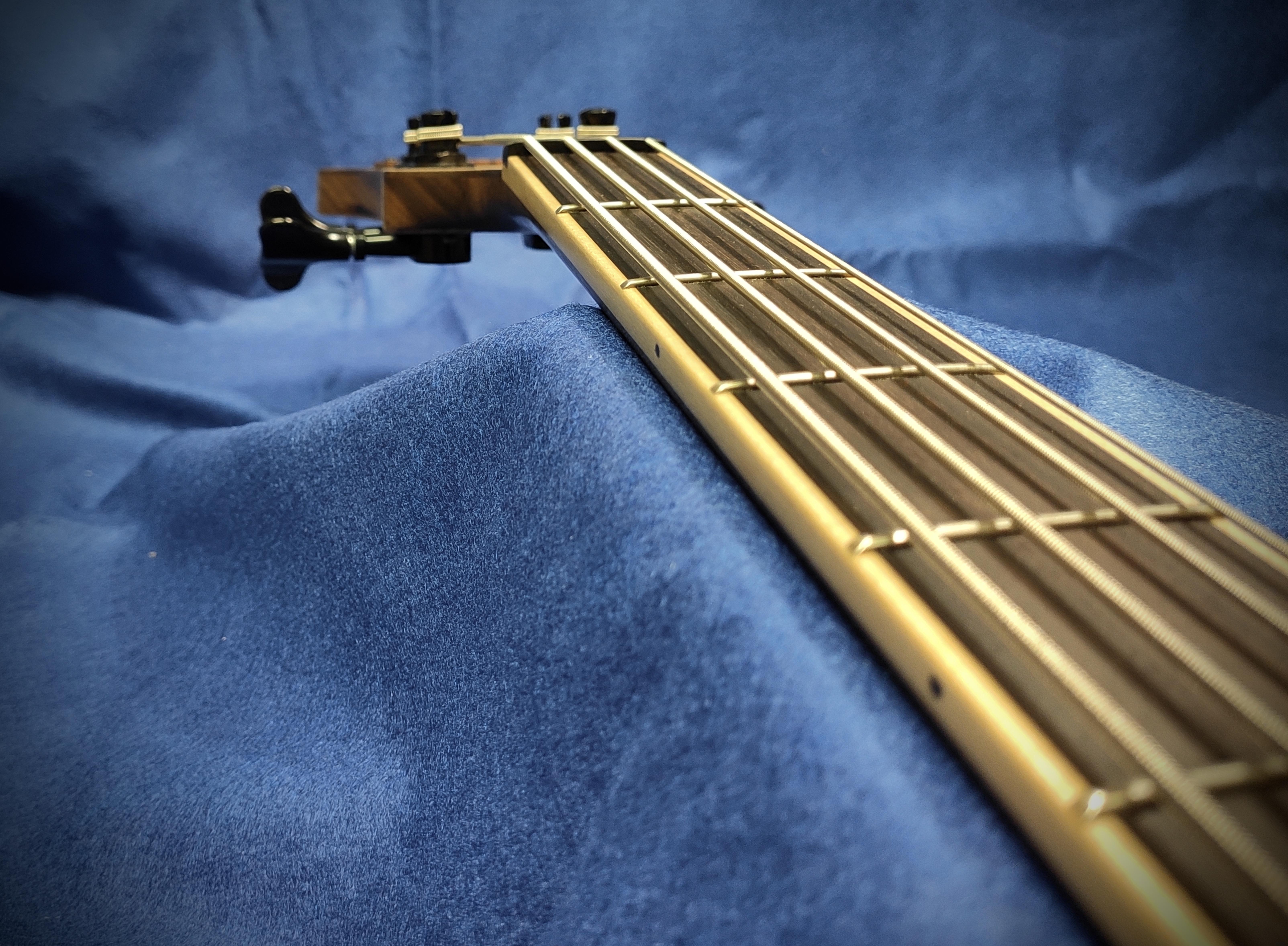 Triton Guitars-Tri-tone_7